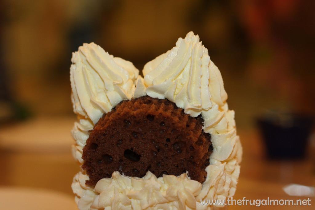 puppy dog cupcake
