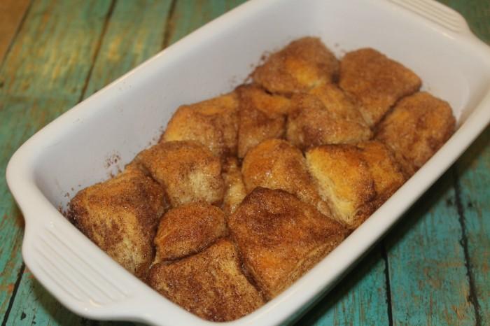 cinnamon sugar pull apart biscuits