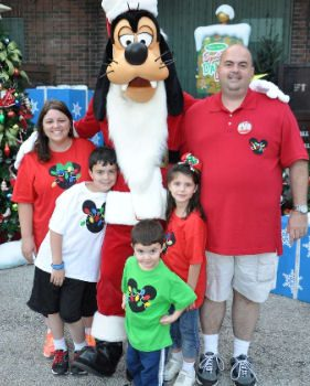 Disney Magic Holiday Lights Giveaway