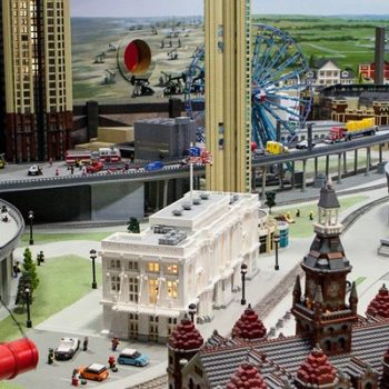 Dads Go Free On Father's Day at LEGOLAND Discovery Center