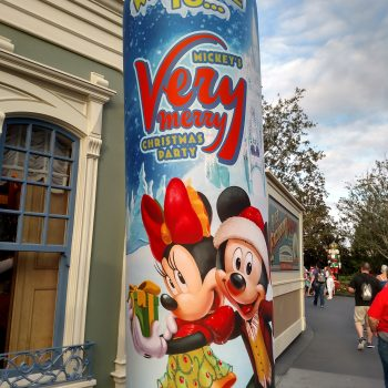 10 Tips For Mickey's Very Merry Christmas Party