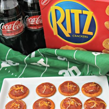 Make Ritz Cracker Pizzas For The Big Game This Weekend #TogetherForGameTime AD