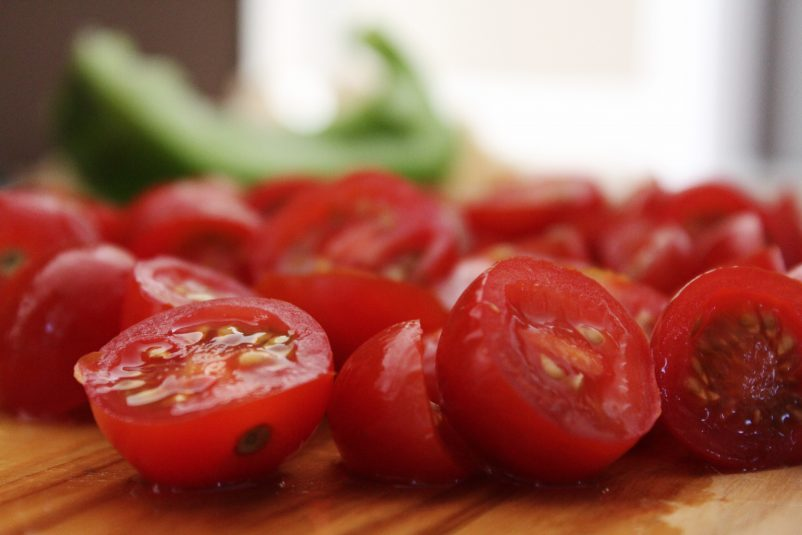 blur-cherry-tomatoes-close-up-906110