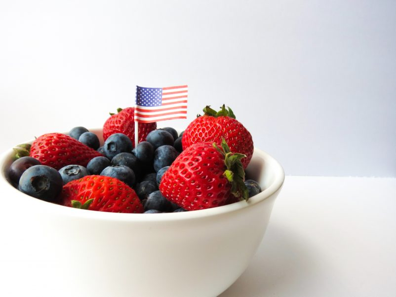 american-flag-berries-bowl-437801