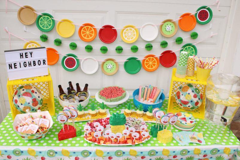 Summer-Block-Party-Decorations-Table-Horizontal